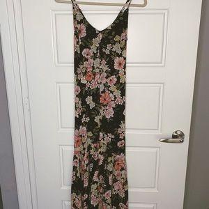 BILLABONG black floral maxi dress | size XS